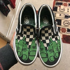 Size 11c hulk vans
